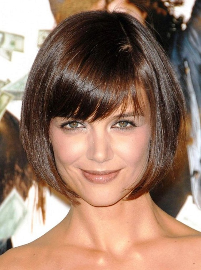 angled-bob-hairstyles-with-bangs-13