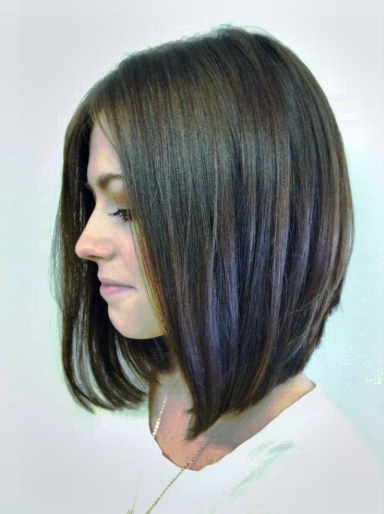 angled-bob-hairstyles-with-bangs-15