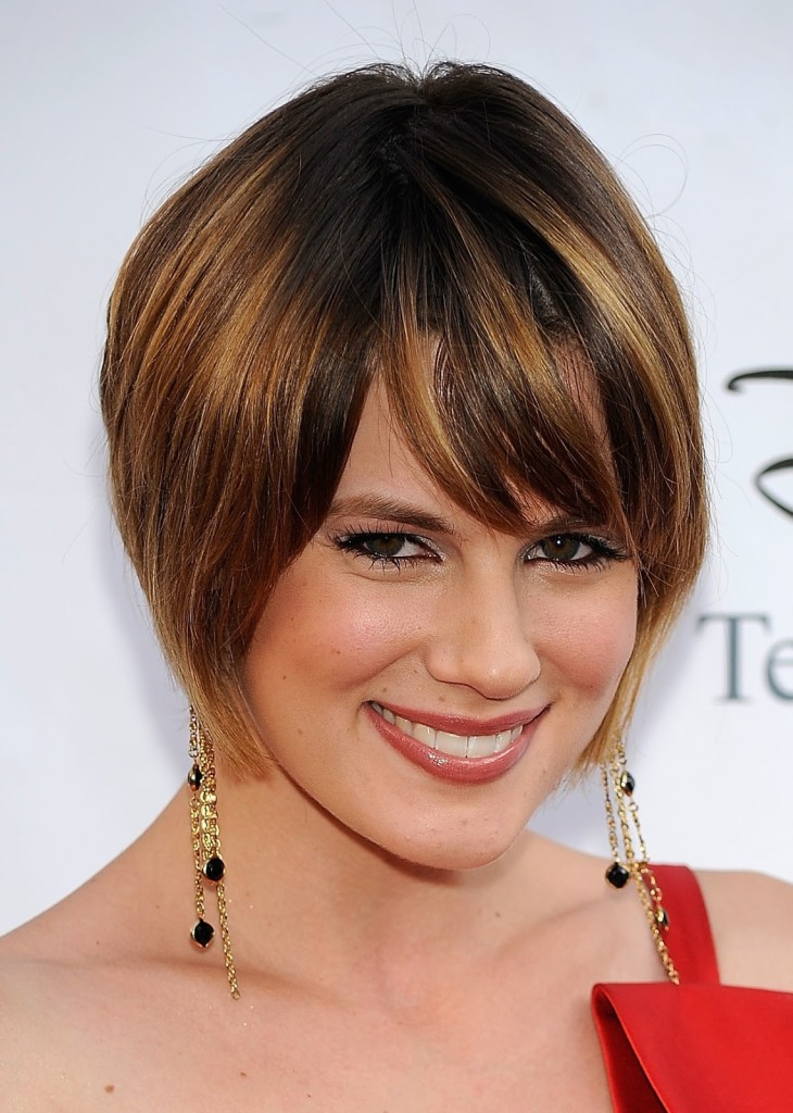 angled-bob-hairstyles-with-bangs-16