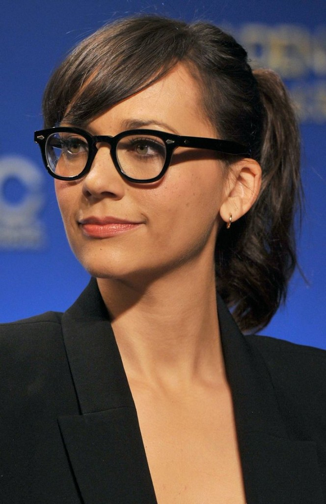 bangs-with-glasses-hairstyles-11