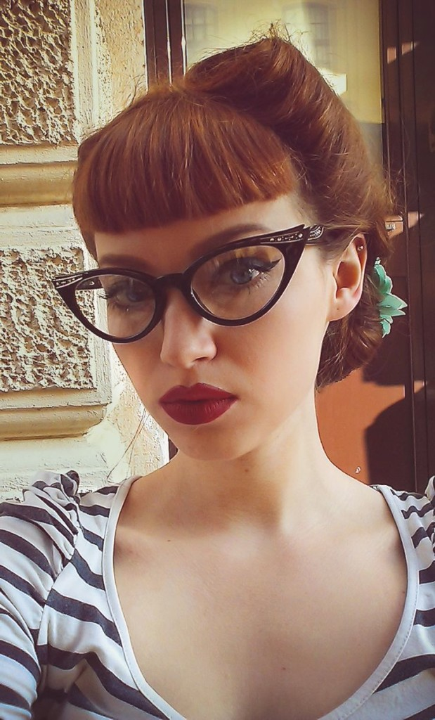 bangs-with-glasses-hairstyles-17