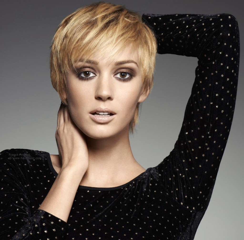 blonde-hairstyles-with-bangs-12