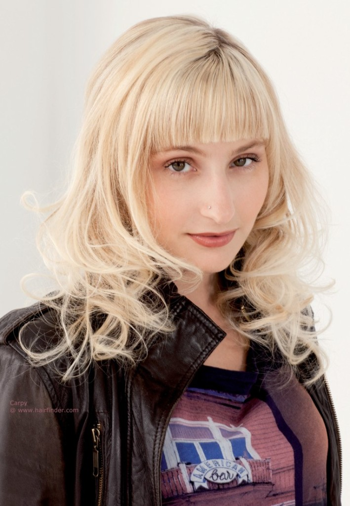 blonde-hairstyles-with-bangs-15