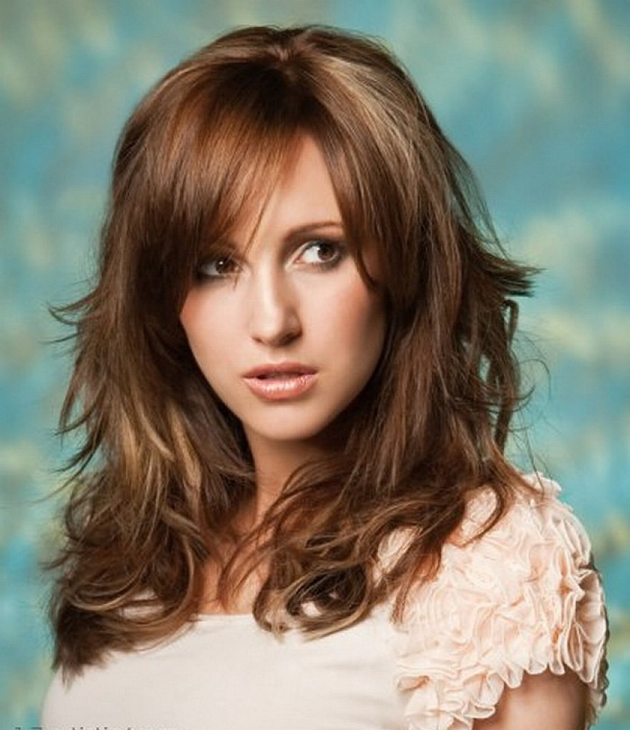 curly-hairstyle-with-bangs-13