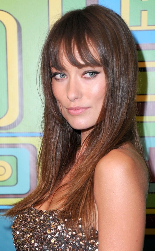 hairstyles-for-straight-hair-with-bangs-11