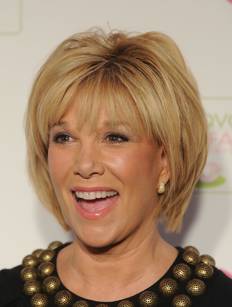 hairstyles-for-women-over-50-with-bangs-13