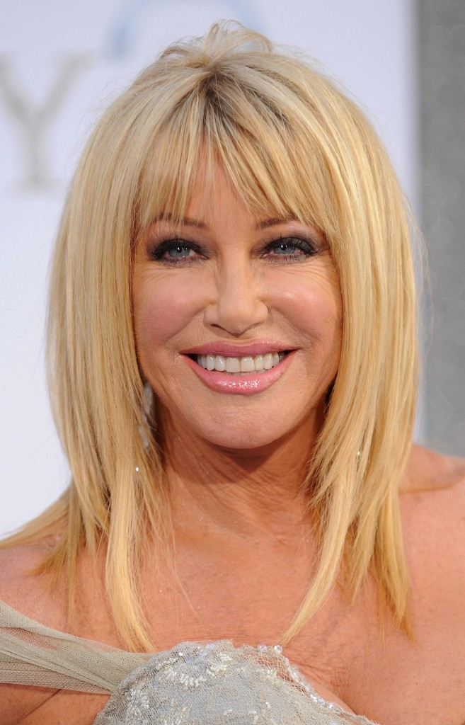 hairstyles-for-women-over-50-with-bangs-14