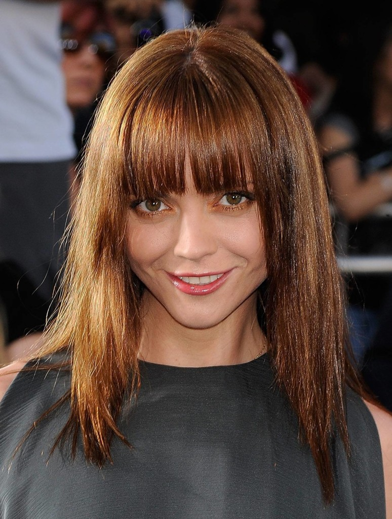 25 long hairstyles with bangs are the best for round faces