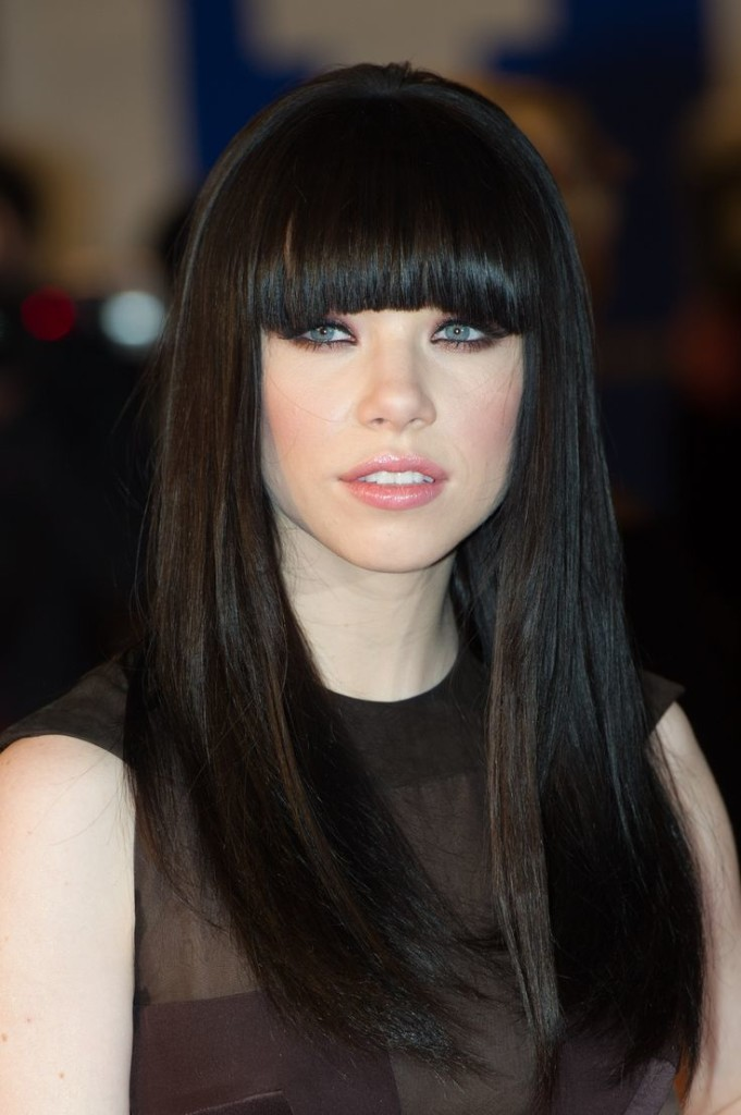 long-black-hairstyles-with-bangs-14