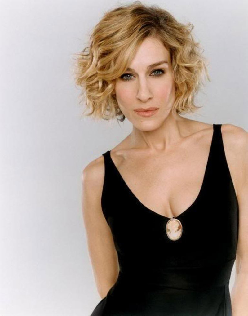 11 simple, chic short curly hair for woman in her 40s and 50s