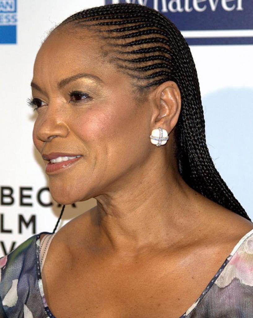 short-haircut-for-black-women-over-50-16