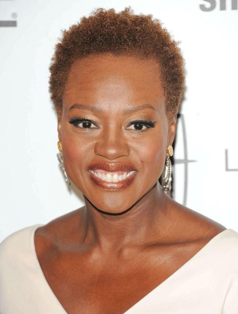 short-haircut-for-black-women-over-50-20