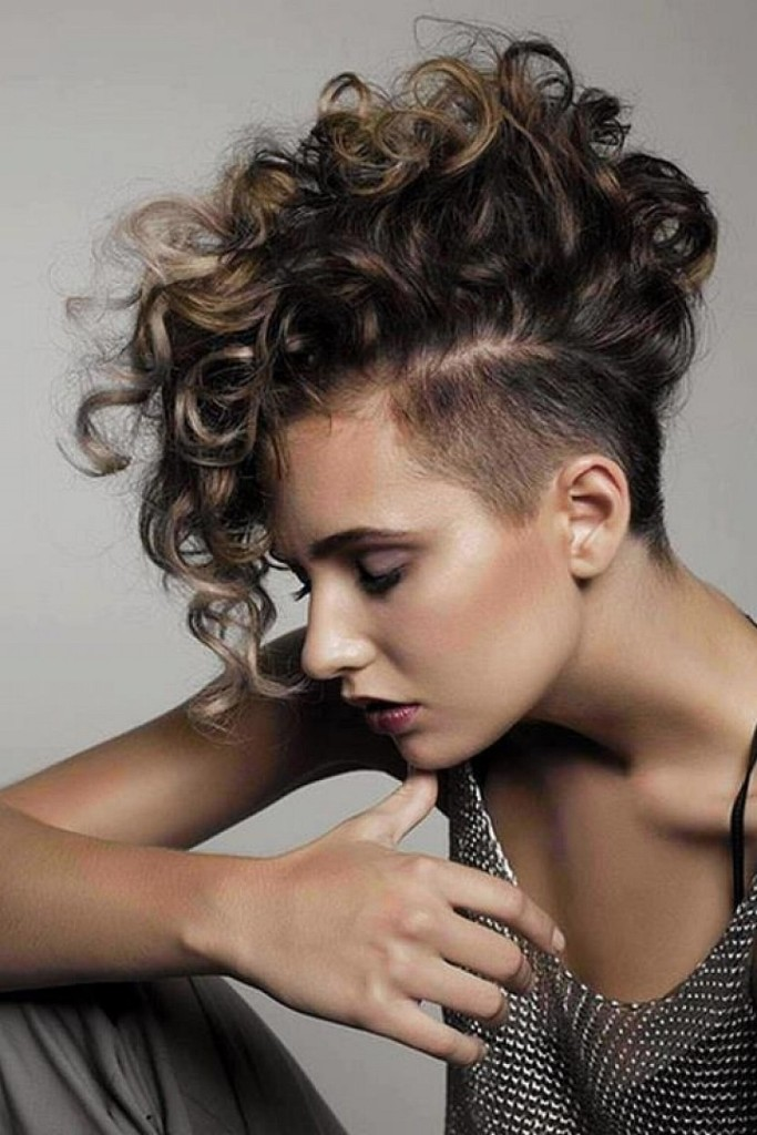 short-natural-curly-hairstyles-11