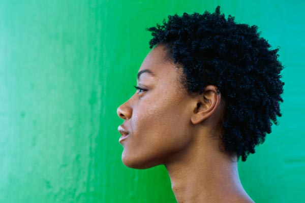 short-natural-hairstyles-for-black-women-with-round-faces-11