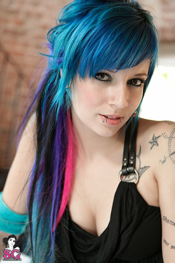 emo-hairstyles-for-girls-21