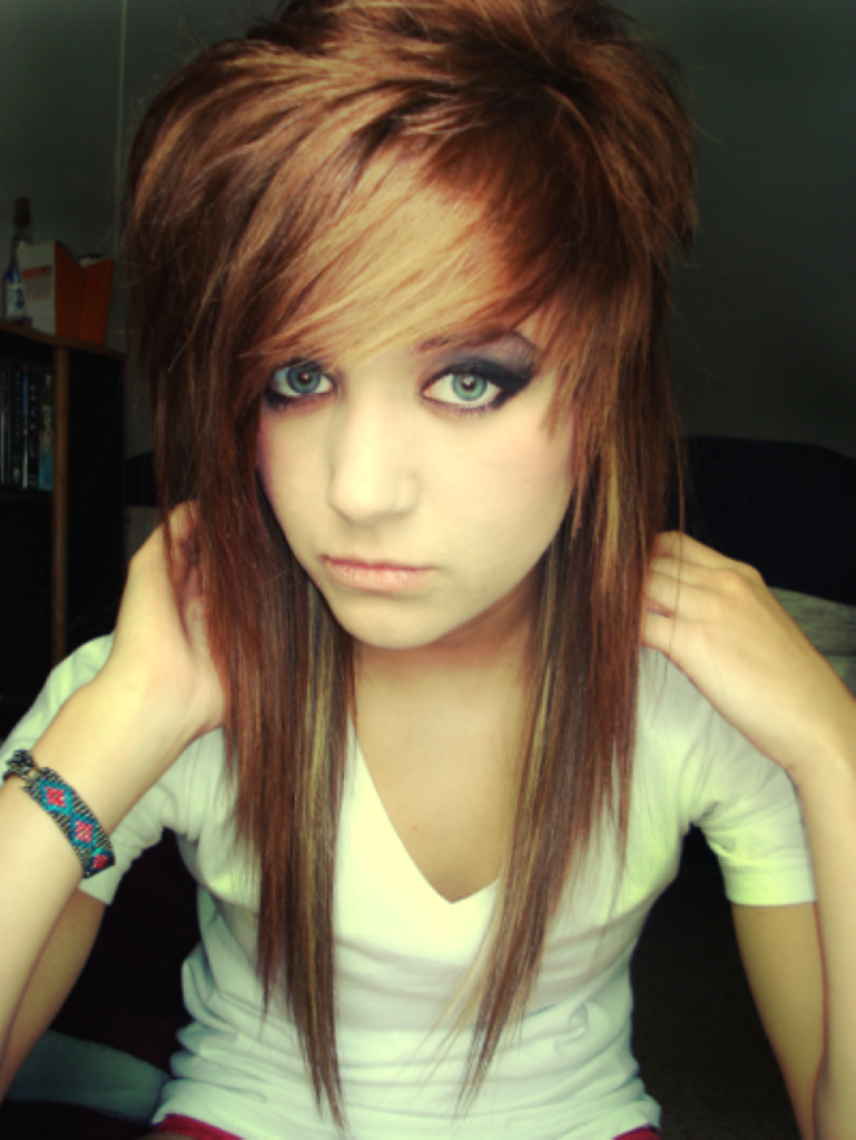 Top 16 Simplest Ways to Make the Best of Emo Hairstyles ...