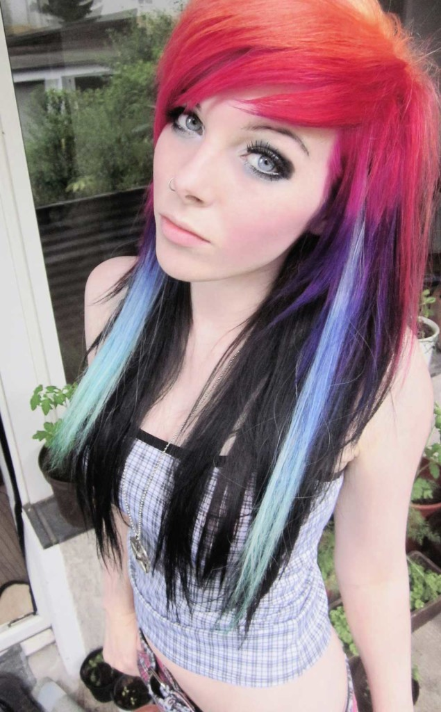 emo-hairstyles-for-girls-23