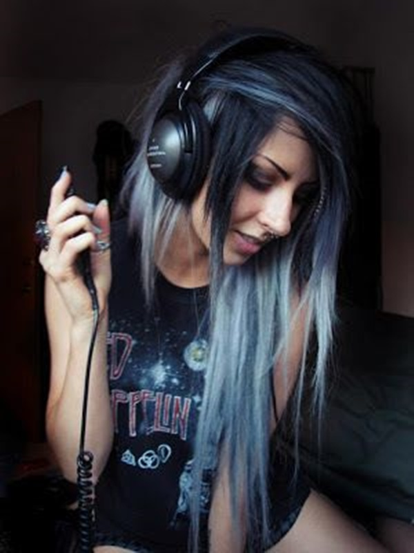 emo-hairstyles-for-girls-29