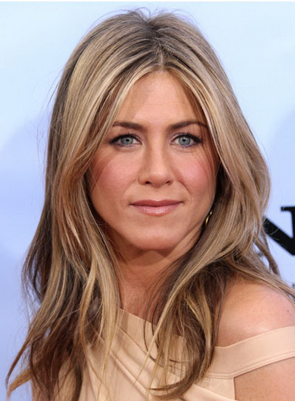 3 Types of Hairstyles by Jennifer Aniston (4)