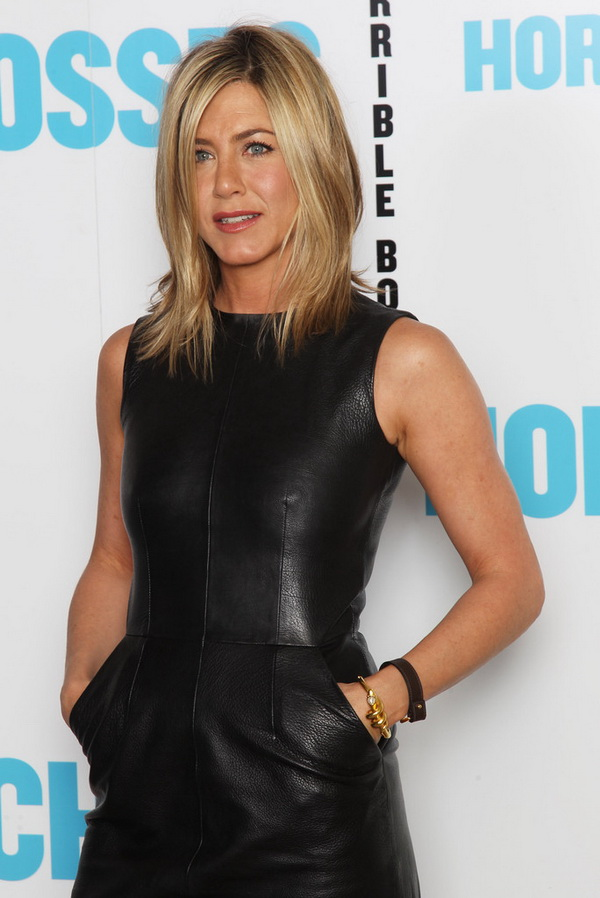 3 Types of Hairstyles by Jennifer Aniston (7)