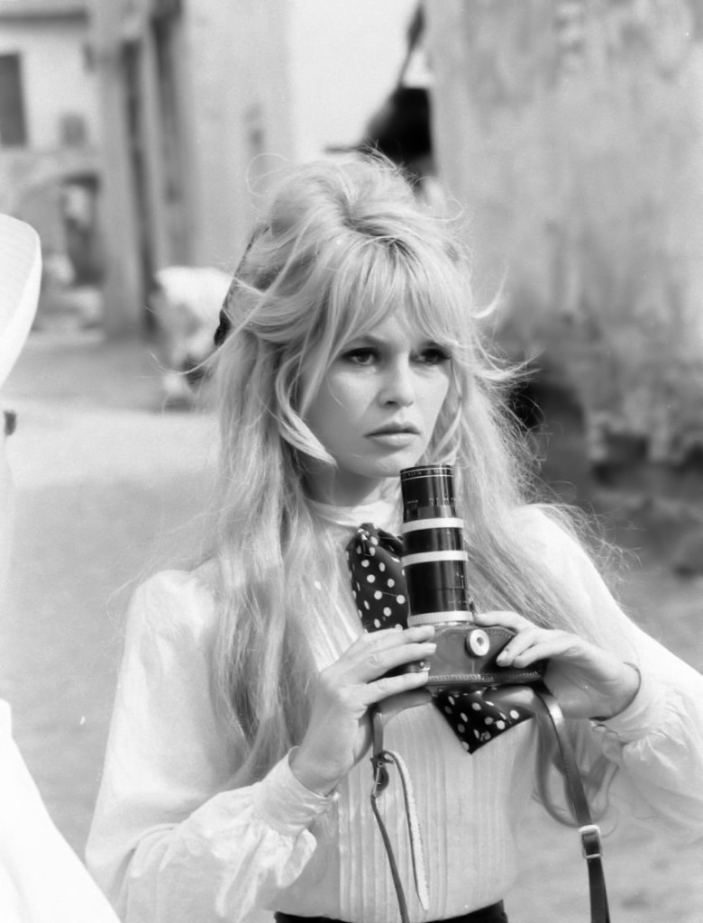 40 Elegant And Fresh Why The 60s Hairstyles Are The Stars
