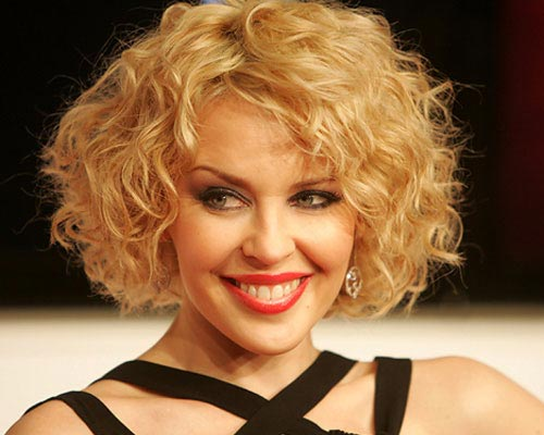 Hairstyles for Short Curly Hair Ideas You Can Try 6