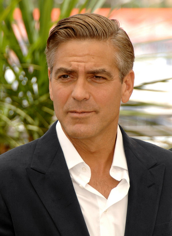 "George Clooney 2007 Cannes Film Festival - ""Ocean's Thirteen"" Photocall Palais des Festivals Cannes, France May 24, 2007 Photo by George Pimentel/WireImage.com To license this image (14097617), contact WireImage: U.S. +1-212-686-8900 / U.K. +44-207-868-8940 / Australia +61-2-8262-9222 / Germany +49-40-320-05521 / Japan: +81-3-5464-7020 +1 212-686-8901 (fax) info@wireimage.com (e-mail) www.wireimage.com (web site)"