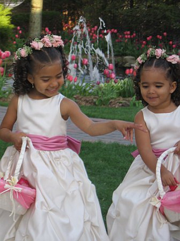 Simple yet stunning creative flower girl hairstyles 1