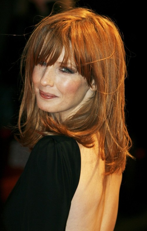 "British actress Kelly Reilly poses as she arrives for the British premiere of ""Me and Orson Welles"" at Leicester Square in London, November 18, 2009. REUTERS/Luke MacGregor (BRITAIN ENTERTAINMENT)"