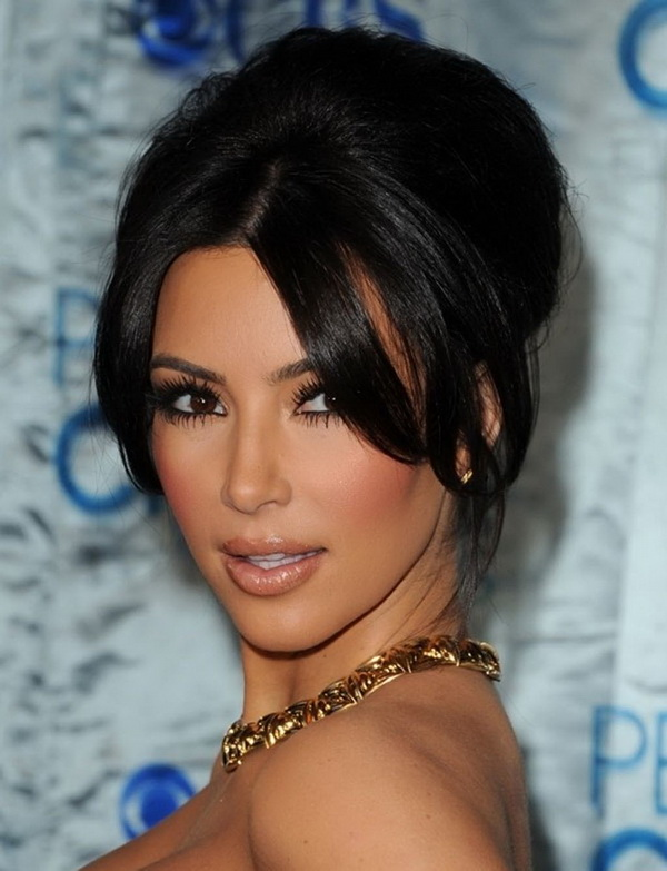 Top 3 Hairstyles by Kim Kardashian (10)