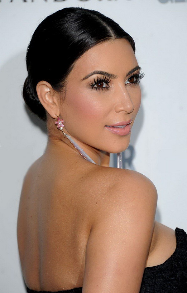 Top 3 Hairstyles by Kim Kardashian (4)