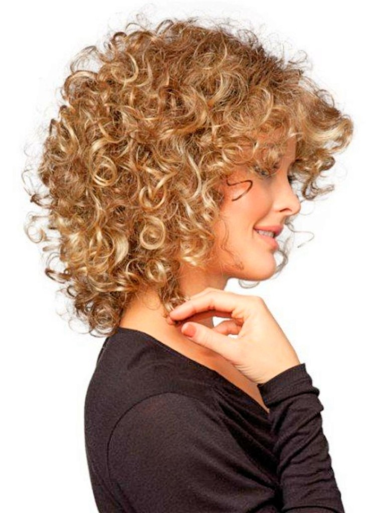best hairstyles for thin curly hair - 17
