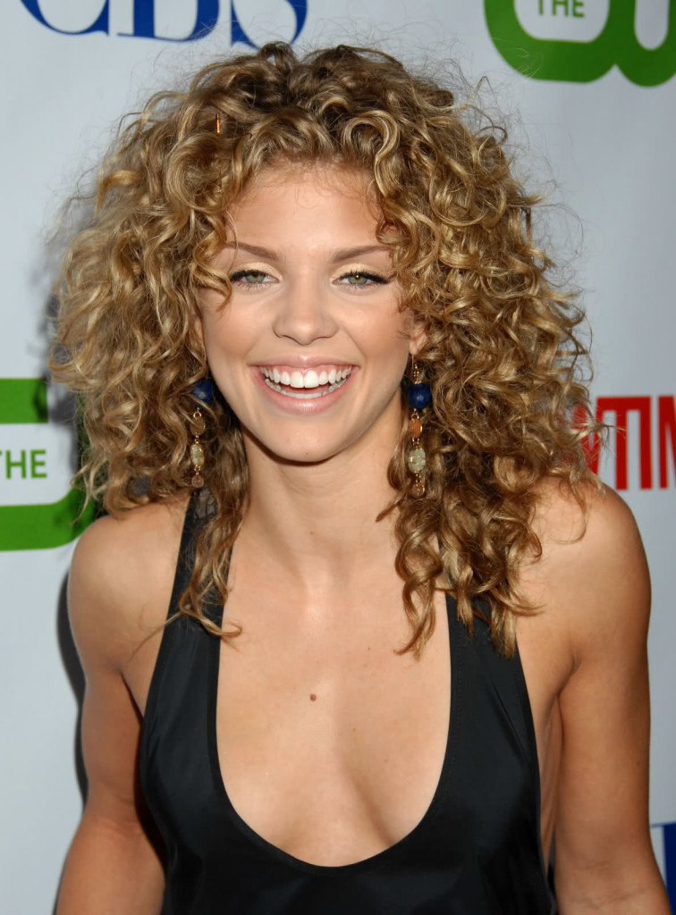 best hairstyles for thin curly hair - 20