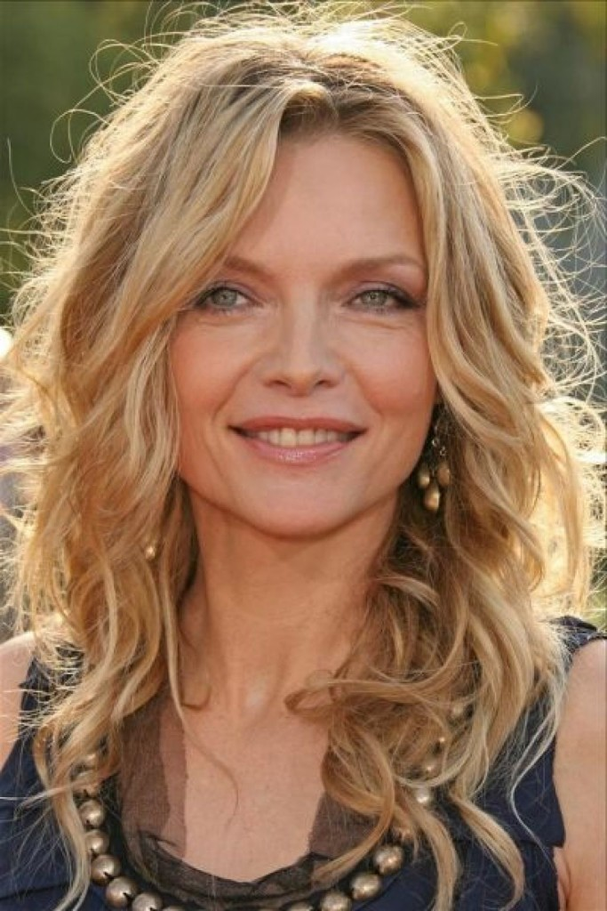 best-long-hairstyles-for-women-over-50-17