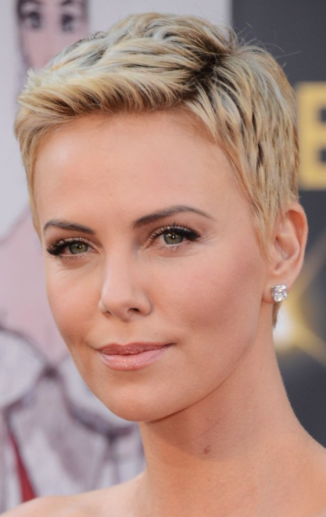best-short-hairstyles-for-women-over-50-17