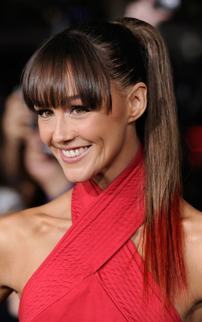brunette hairstyles with bangs photo - 22