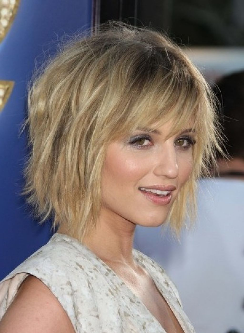 Top 10 hottest trending short choppy hairstyles with bangs - HairStyles for Women