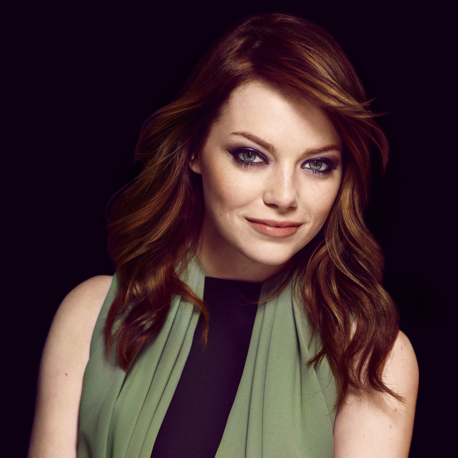 emma-stone-hairstyles-with-bangs-13