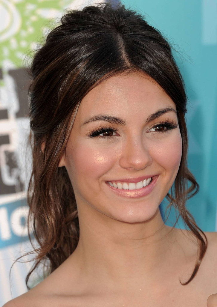 formal hairstyles for thin hair - 24
