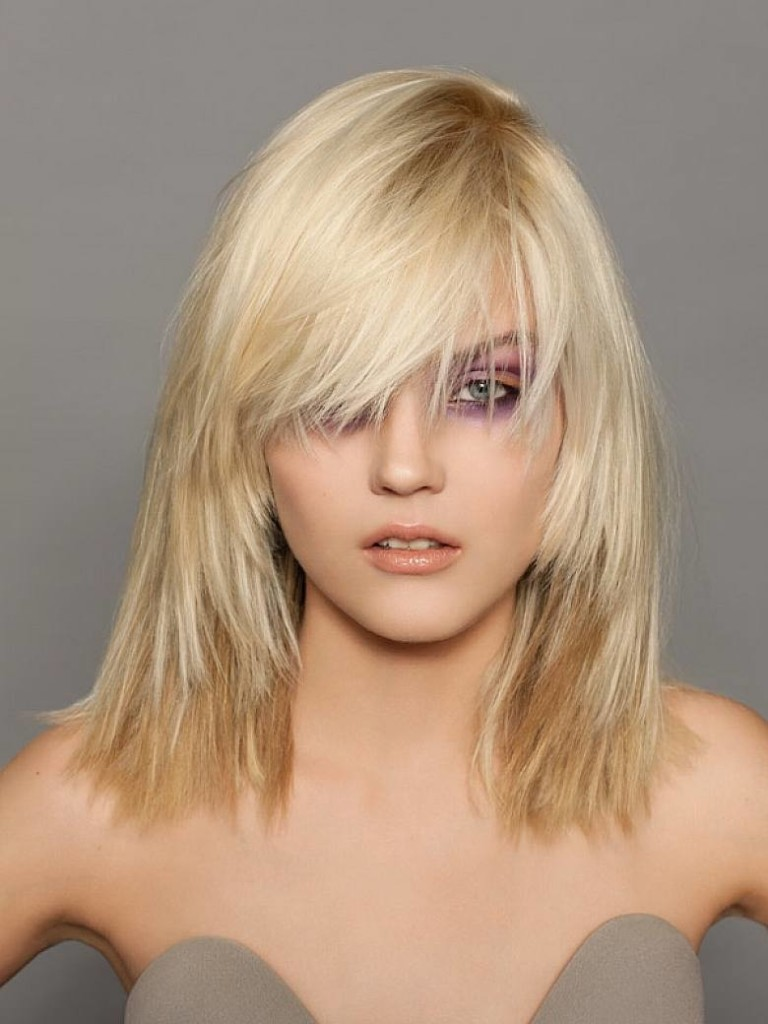 hairstyles-for-shoulder-length-hair-with-bangs-11
