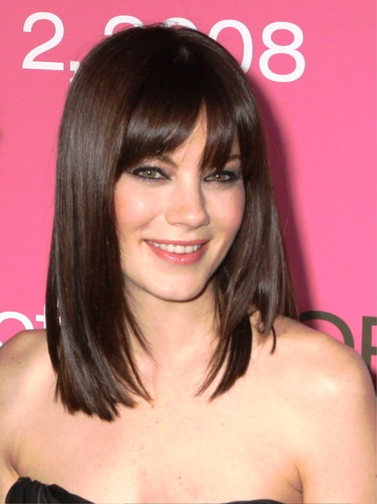 17 Amazing hairstyles for shoulder length hair with bangs ...