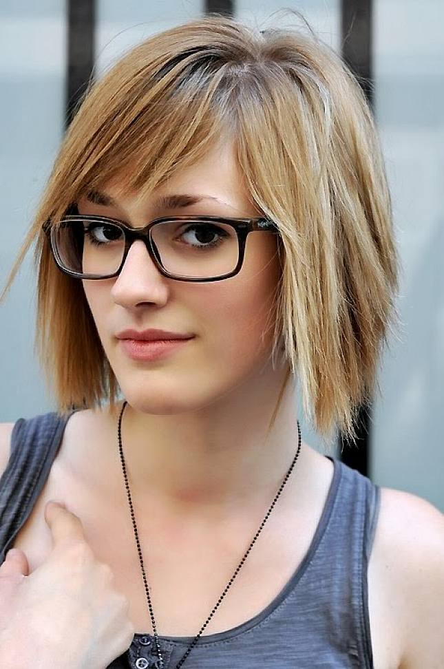 hairstyles-with-bangs-and-glasses-22
