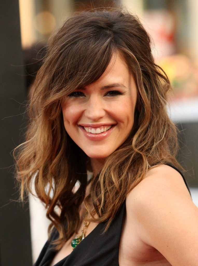 hairstyles-with-feathered-bangs-15