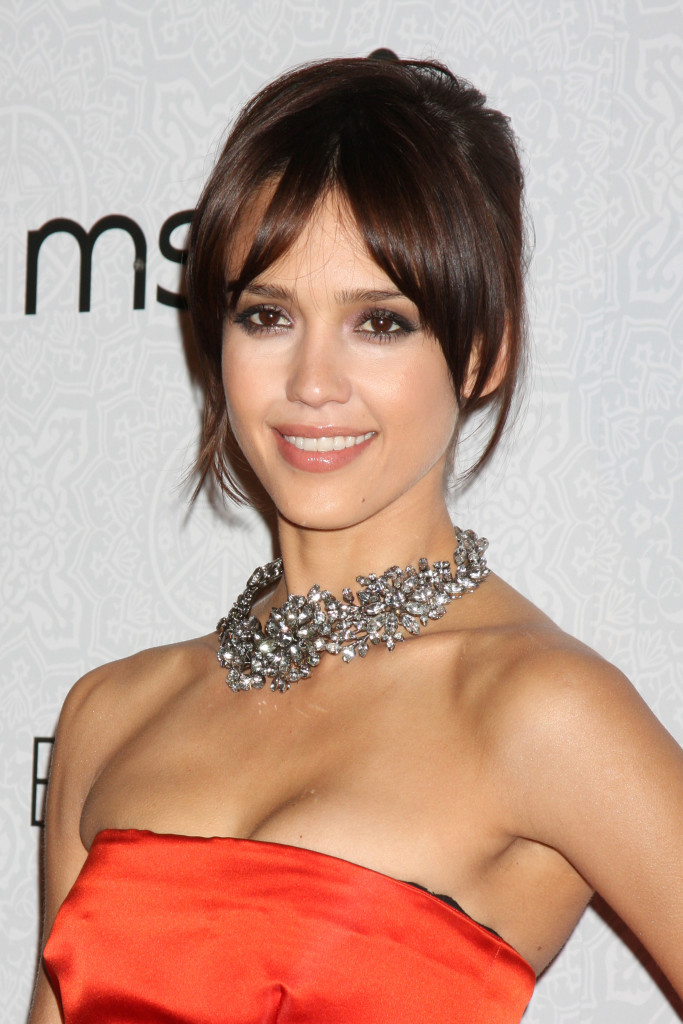jessica-alba-hairstyles-with-bangs