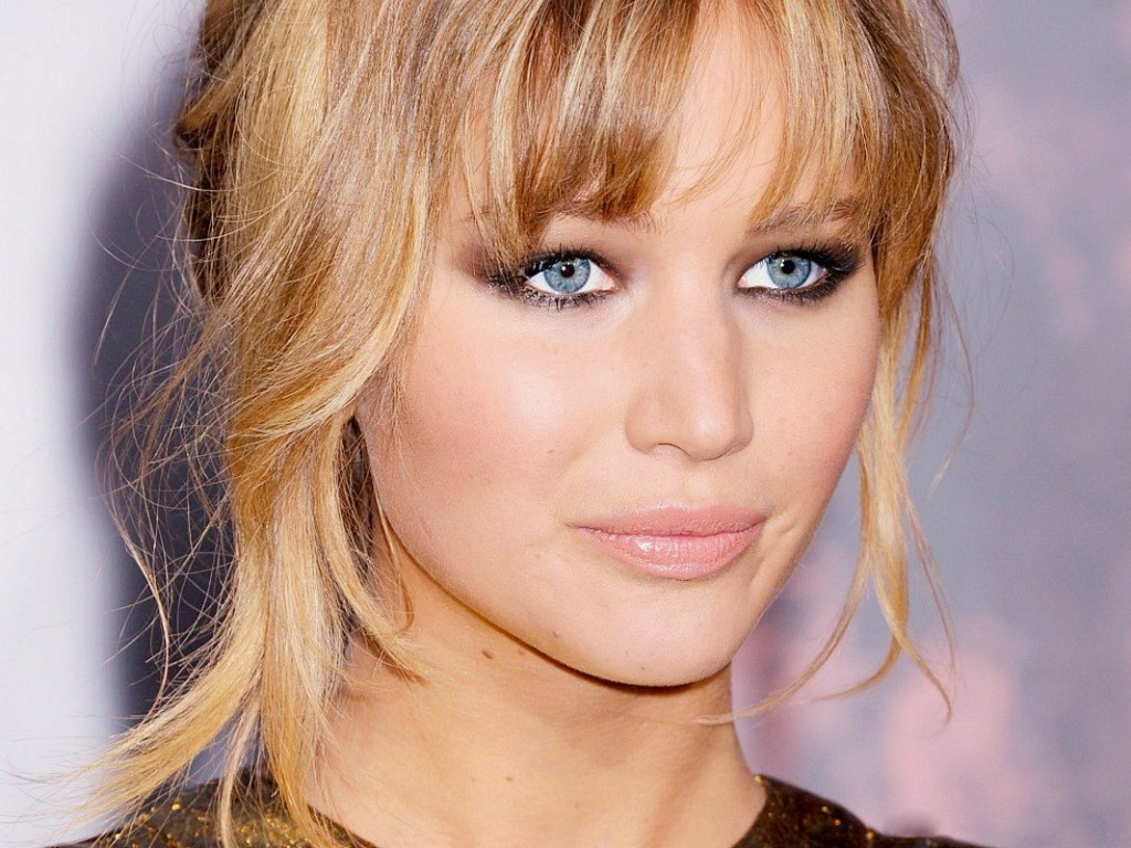 top 11 lovely and simple hairstyles with bangs for long blonde