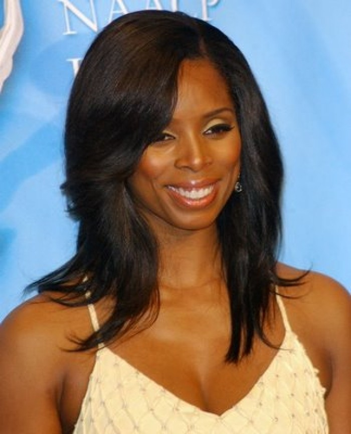 long-hairstyles-with-bangs-for-black-women-15