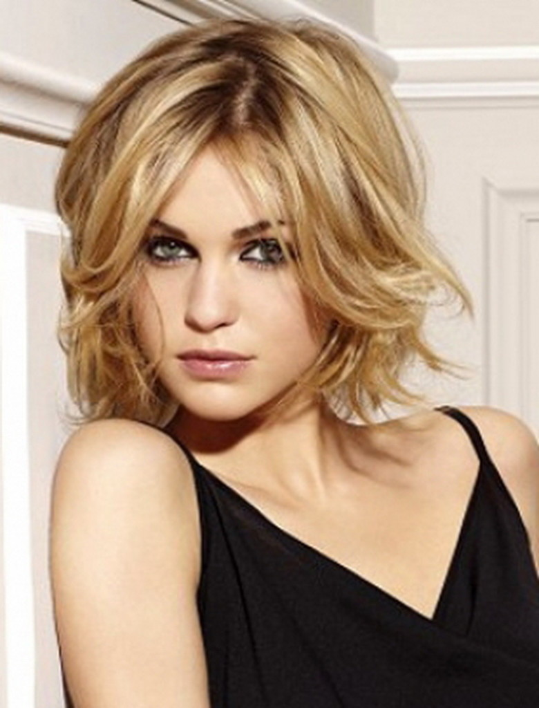 medium-hairstyles-with-bangs-and-layers-19