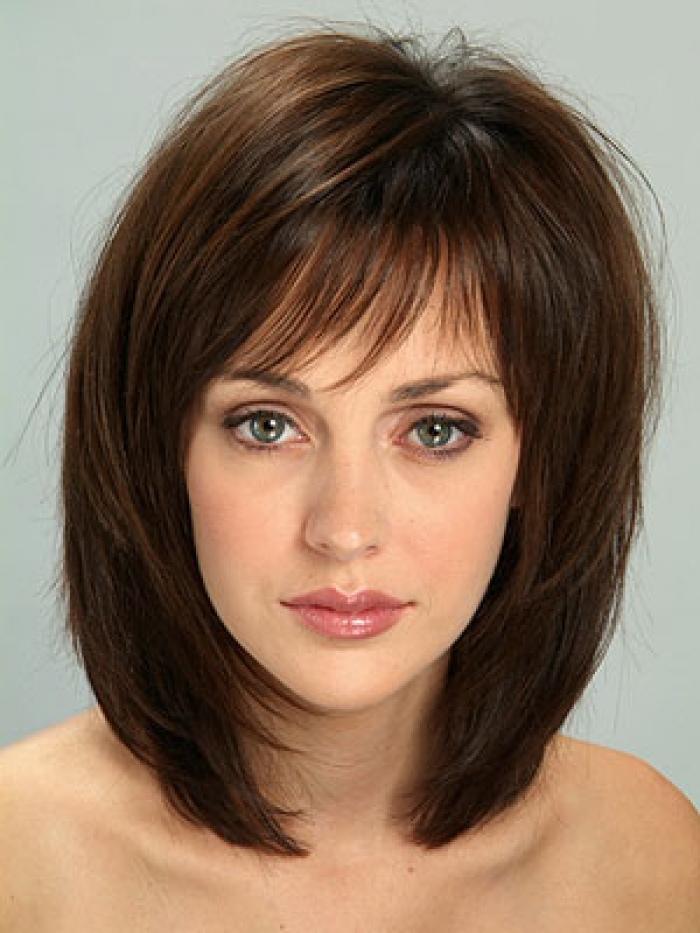 medium hairstyles with bangs for round faces - 20