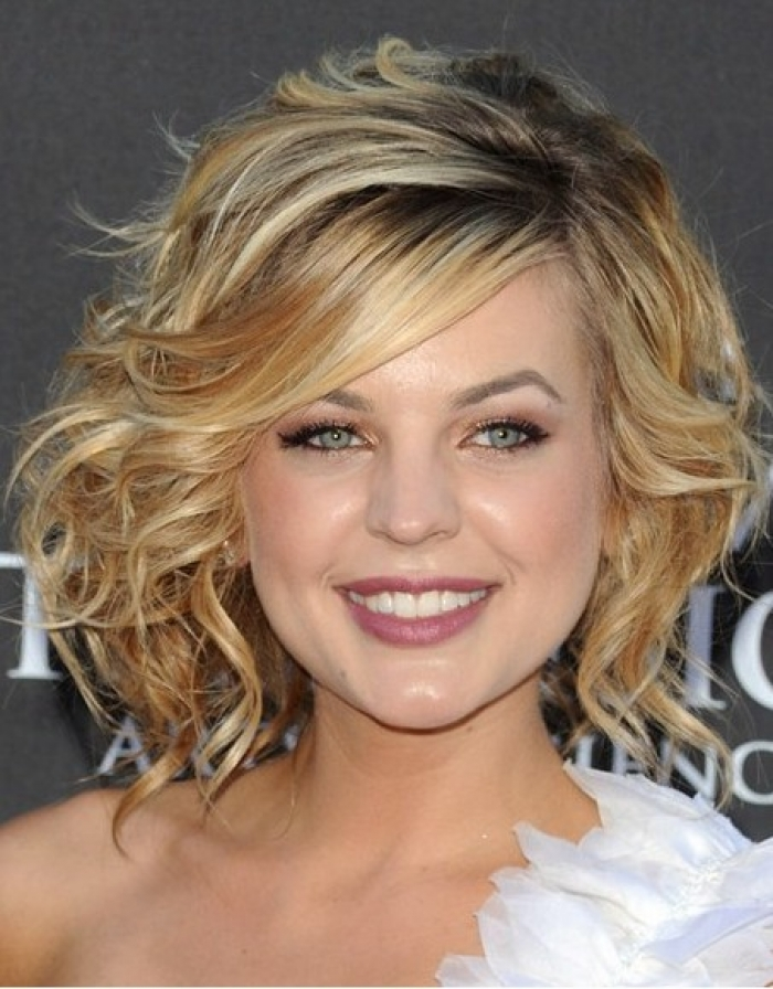 medium hairstyles with bangs for round faces - 26