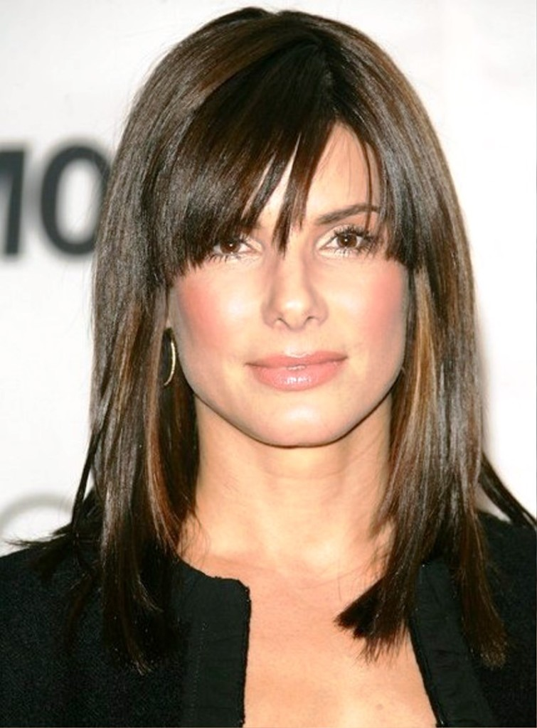 medium straight hairstyles with bangs - 25